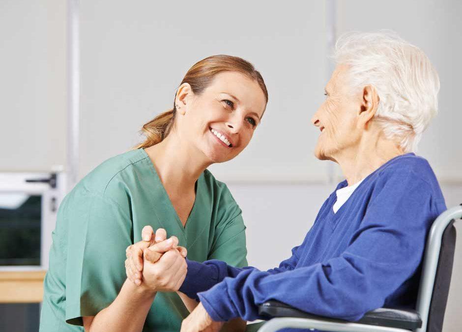 Stationäre Pflege oder Pflegehilfe für Ihre Sicherheit im Krankheitsfall